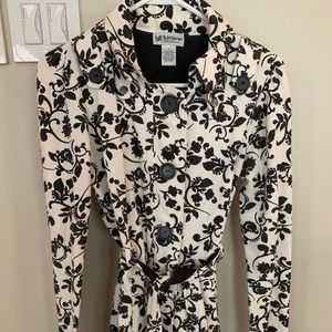 Black and white floral tie button jacket